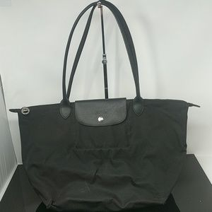 Longchamp Large Le Pliage Zip Tote in Black